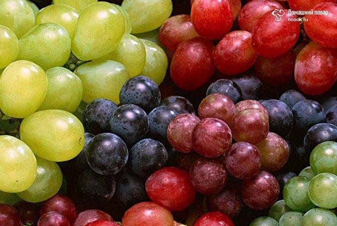 Выбираем виноград в магазине
